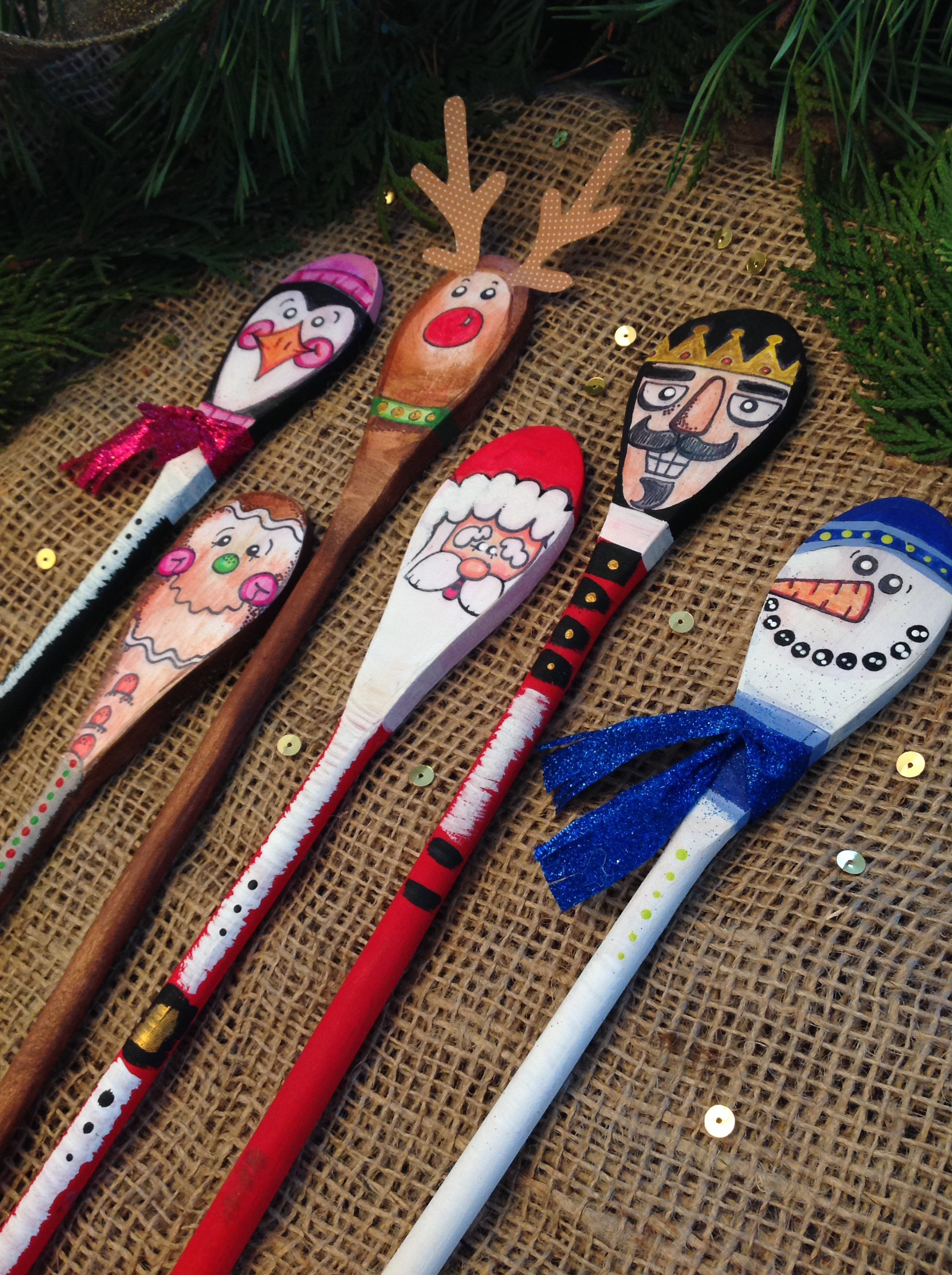 Free Printable Christmas Wooden Spoon Puppets Right